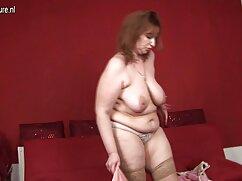یک زن روسپی برای یک جدیدترین سایت فیلم سکسی ضربه و اسپری.